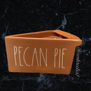 🆕 Rae Dunn PECAN PIE 2 Wick Scented Pie Candle